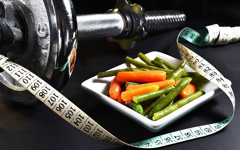 alteres e prato de dieta